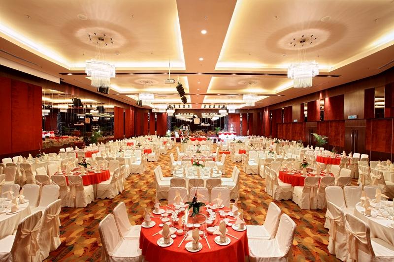 Ballroom_Wedding_resize