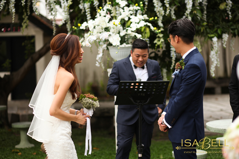 Garden Wedding Ceremony at Blue Mansion