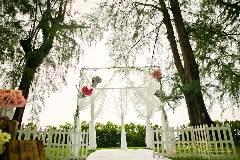Natural Theme Garden Ceremony At Lonepine Hotel